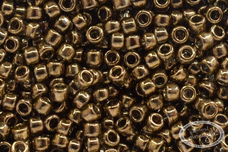 Margele TOHO 15 Gold Lustered Montana Blue 1