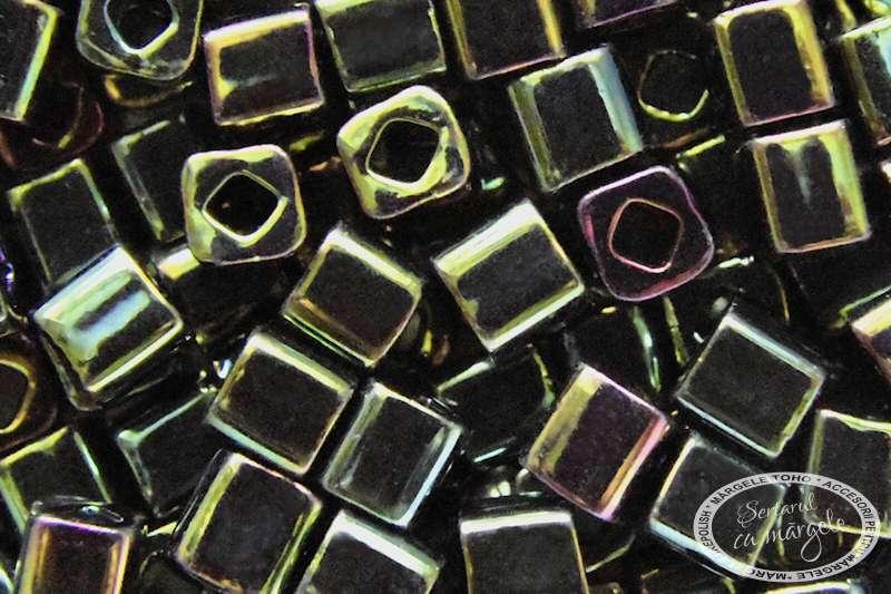 TOHO Cube cub 4mm Metallic Iris Green Brown